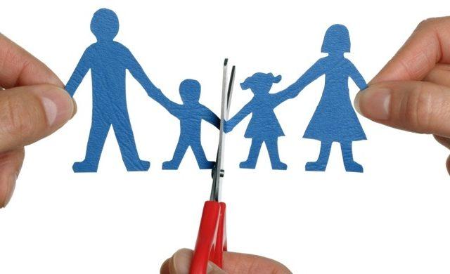 https://www.studiolegaletarroni.it/wp-content/uploads/2020/03/perdita-potesta-genitoriale-avvocato-antonella-tarroni-ravenna-640x390.jpg